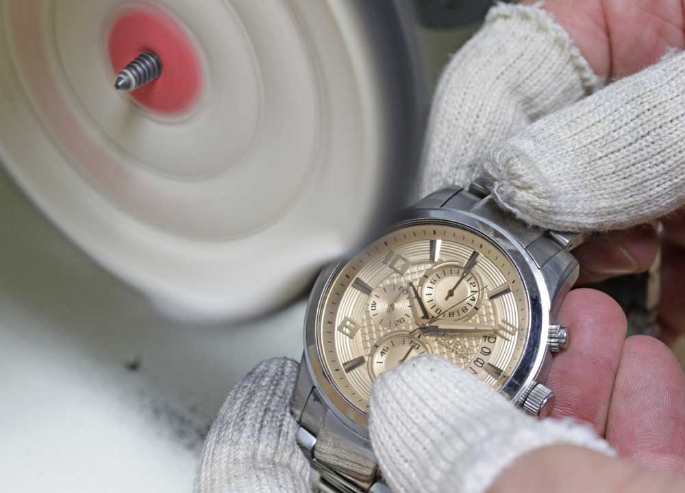 luxury watch crystal replacement and refinishing